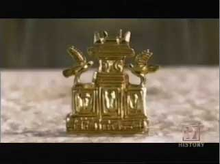 The actual Mycenaen pendant that Jacobovici tries to link to the ark of the covenant