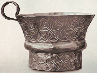 Cup from Grave V, with swirly designs